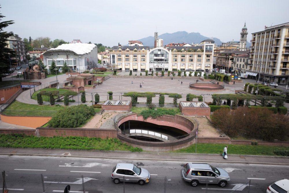 Varese: giovane gambino arrestato in flagranza per spaccio in Piazza Repubblica